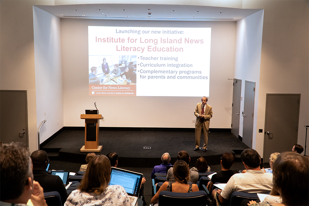 Stony Brook Summer Courses 2020.Center For News Literacy To Host Interactive Workshop For